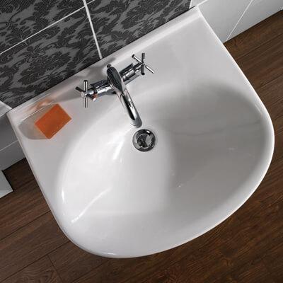 Basins / Toilets / Sinks