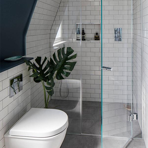 Recess shower enclosure