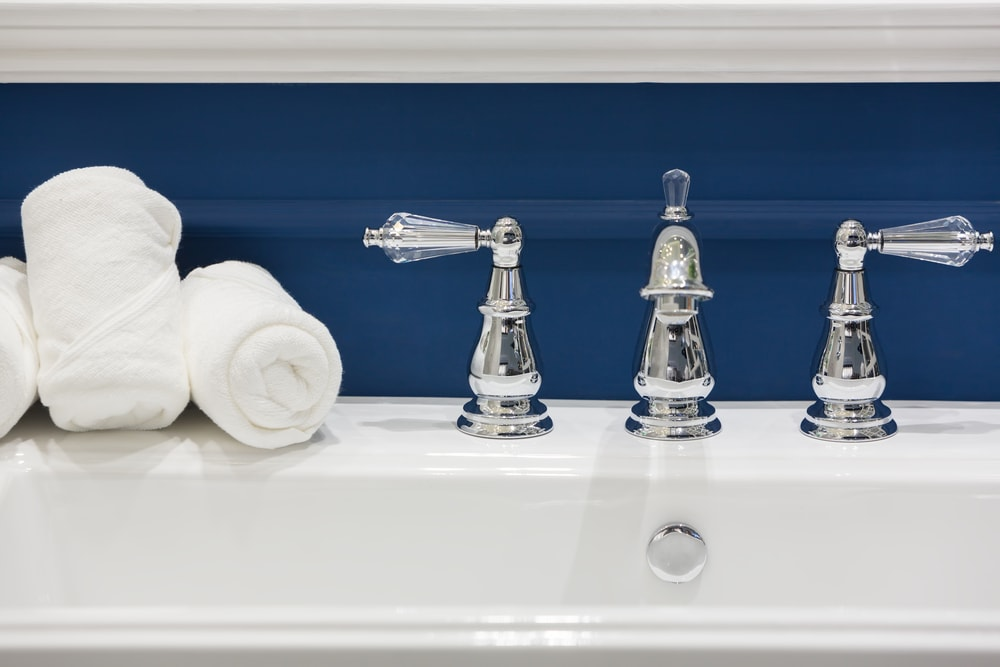 Classic Blue in your bathroom
