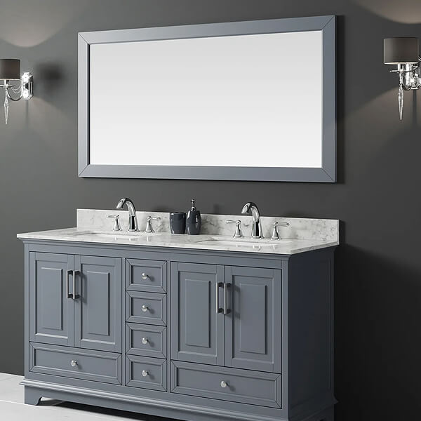 Two sinks, one horizontal mirror