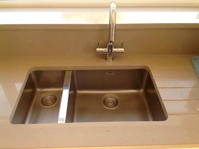 Stainless Steel 1.5 Bowl Undermount Sink