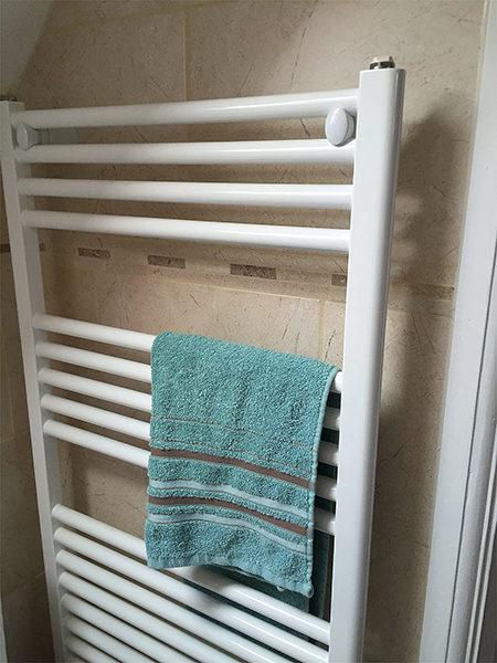 Reina Diva Flat Heated Towel Rail White
