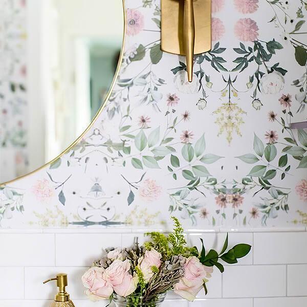 Romantic floral Wallpaper