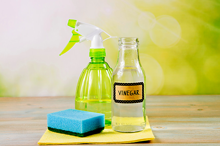 How to Clean Shower Glass with Vinegar