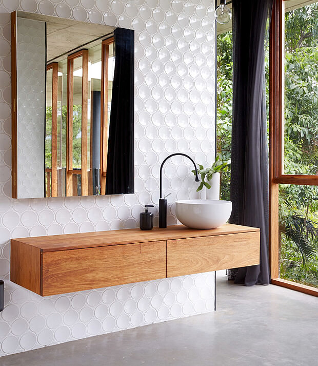 Bathroom Vanity with Counter Top Basin & Mirror